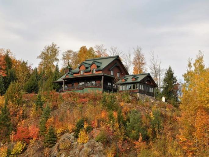 Unique Laurentians Log Home Canadian Log Home Sales